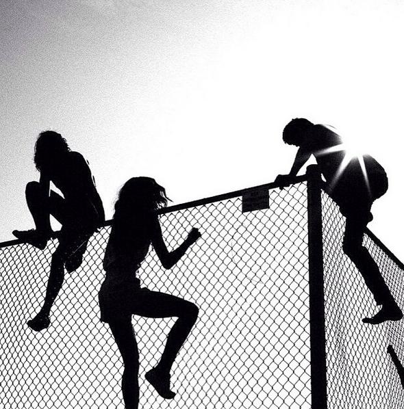 über Zäune klettern
